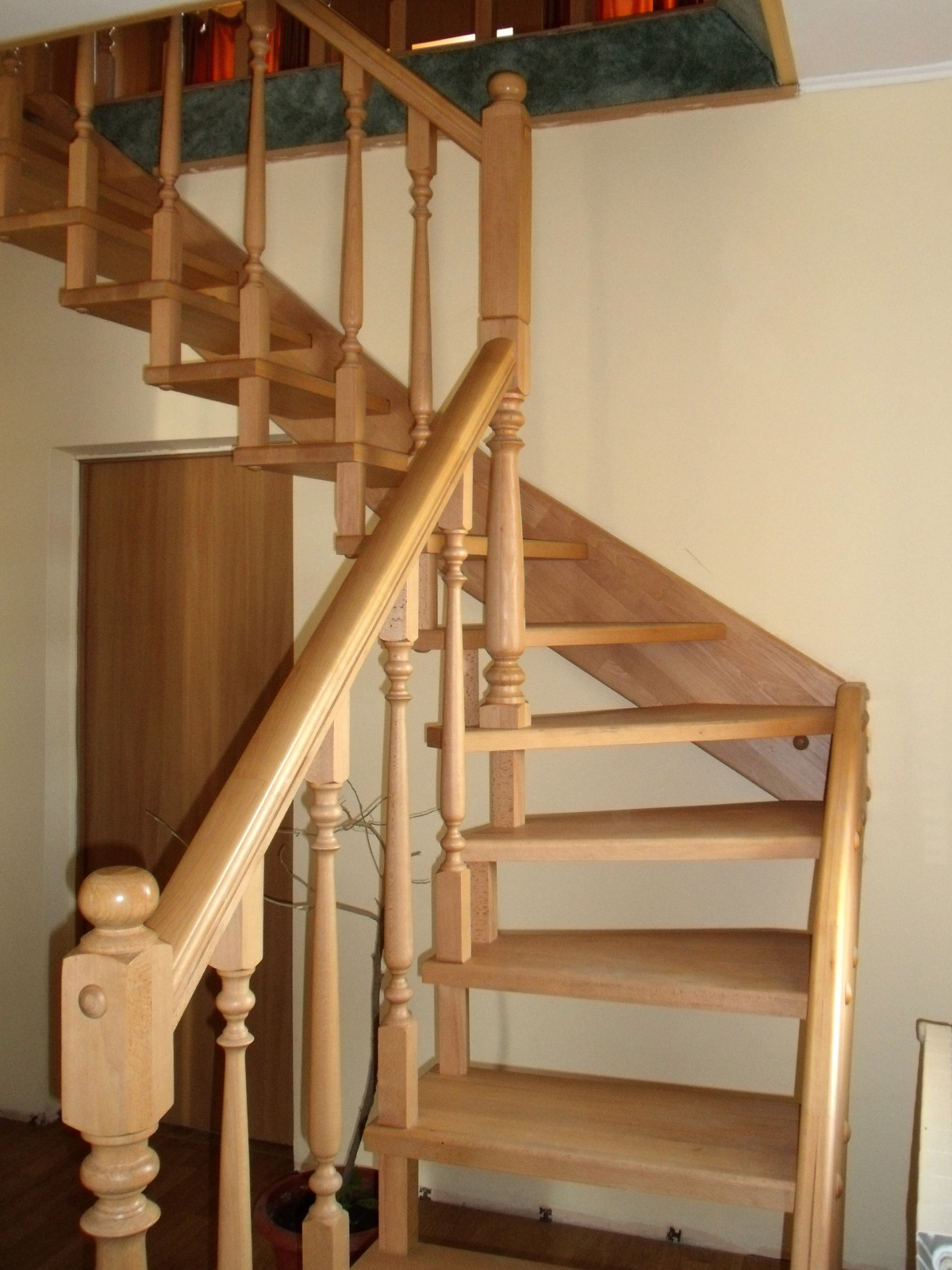 Лестница своими руками на мансардный этаж